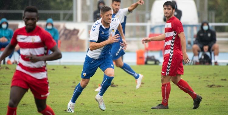 Édgar en l'amistós de pretemporada jugat a Sant Oleguer contra el Badalona | Roger Benet
