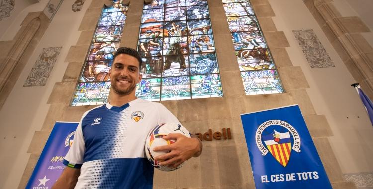 Juan Ibiza ha estat presentat a l'edifci de l'antiga Caixa Sabadell | Roger Benet