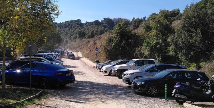 Vehicles al Coll d'Estenalles el cap de setmana passat | Cedida per Dani Marinova