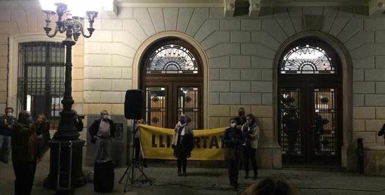 Entitats i partits independentistes protesten contra l'OperacióVoljov contra empresaris independentistes   Ràdio Sabadell
