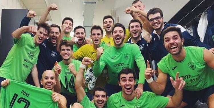Celebració escolàpia després del triomf a Eivissa | Futsal Pia