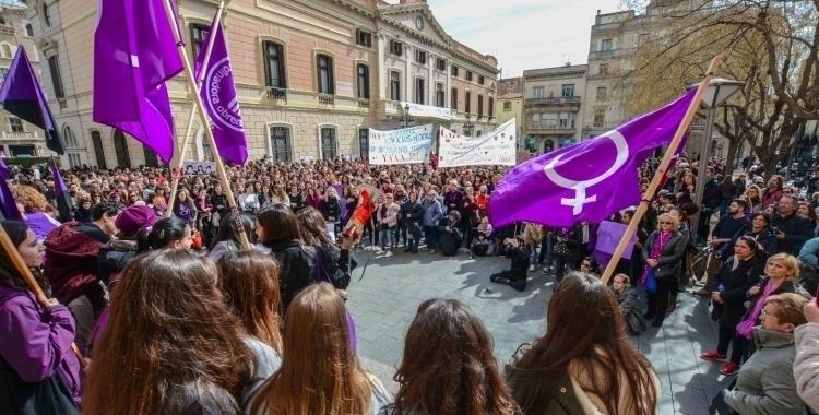 Una mobilització feminista a plaça Sant Roc/ Arxiu