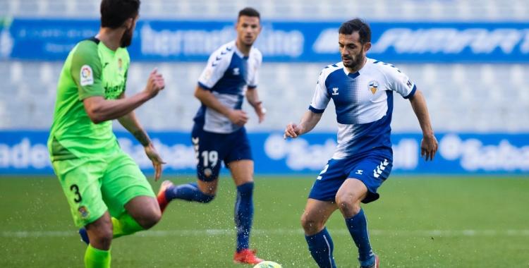 Óscar Rubio va ser el protagonista de la desafortunada acció del segon gol del Fuenlabrada   Marc González Alomà - CES