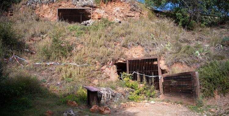 Els despreniment han fet perillós l'accés a les coves de Sant Oleguer   Roger Benet