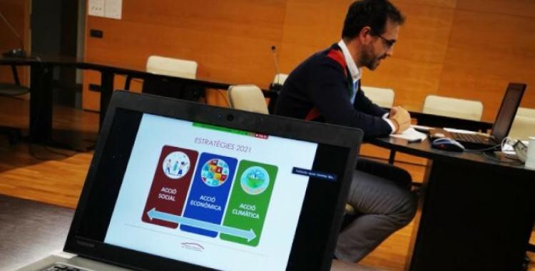 El president del Consell Comarcal Ignasi Giménez (PSC) en un moment de la reunió   Cedida