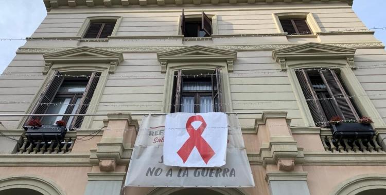El llaç vermel a l'Ajuntament de Sabadell   Roger Benet