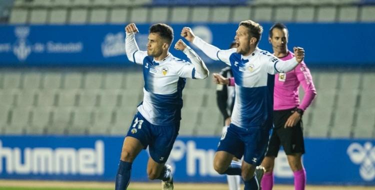 Néstor celebra el gol de l'empat   CES