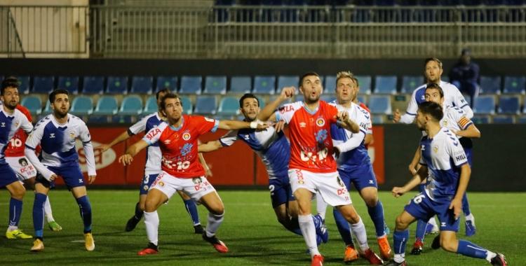 Acció a pilota aturada del partit d'ahir a Can Misses   Juan A. Riera