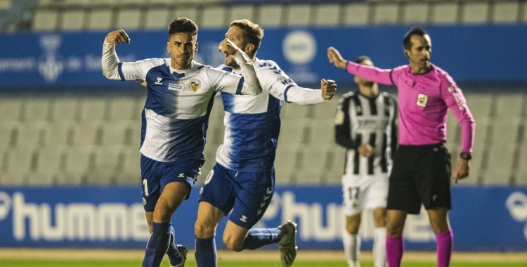 Néstor, celebrant el gol al Castellón   CES