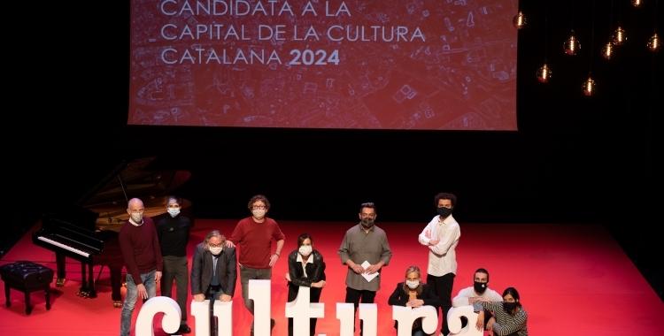Foto de família de la presentació de la candidatura per ser Capital de la Cultura Catalana | Roger Benet