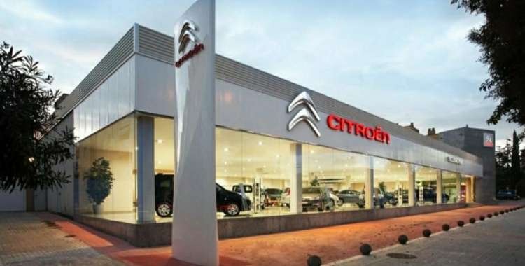 El 2020 s'ha deixat de vendre un de cada tres cotxes a la ciutat   Cedida