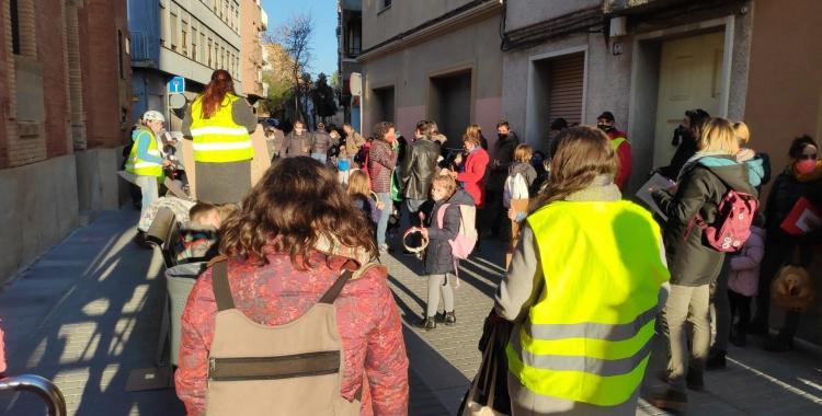L'AMPA de l'Escola EnricCasassastalla el carrer Les Paus   Pau Duran