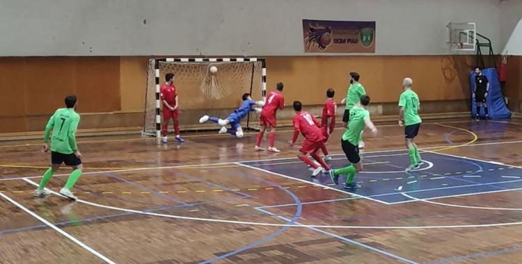 Arnau Graell va marcar els tres primers gols escolapis | Pol Díaz