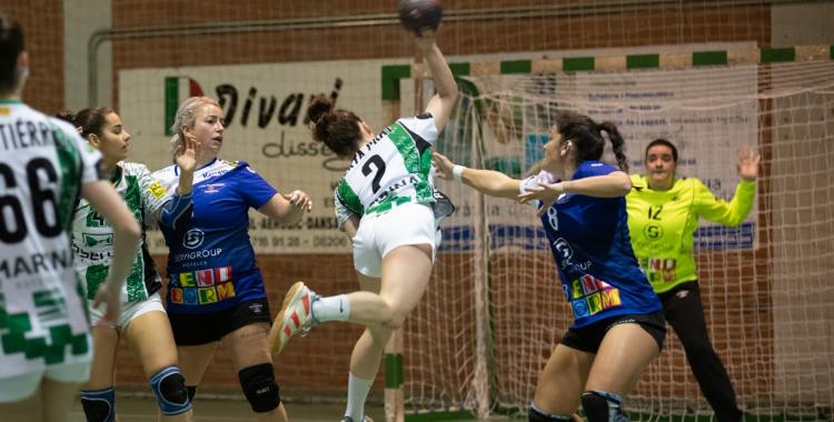 L'OAR ve d'imposar-se de quatre gols davant el Benidorm | OAR Gràcia
