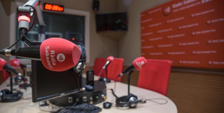 Imatge dels estudis de Ràdio Sabadell   Roger Benet