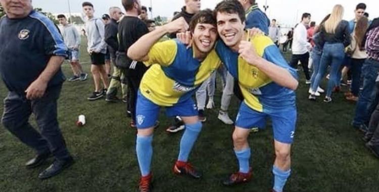 Els germans Martí celebrant l'ascens a Primera Catalana | Twitter
