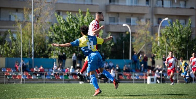 Acció del partit contra l'Escola Esportiva Guineueta | Roger Benet