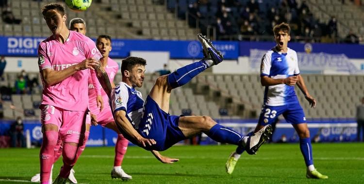 El Sabadell va guanyar ahir gràcies a aquesta acrobàtica rematada   Pedro Salado