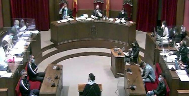 Imatge del judici contra els quatre acusats de la violació grupal | ACN