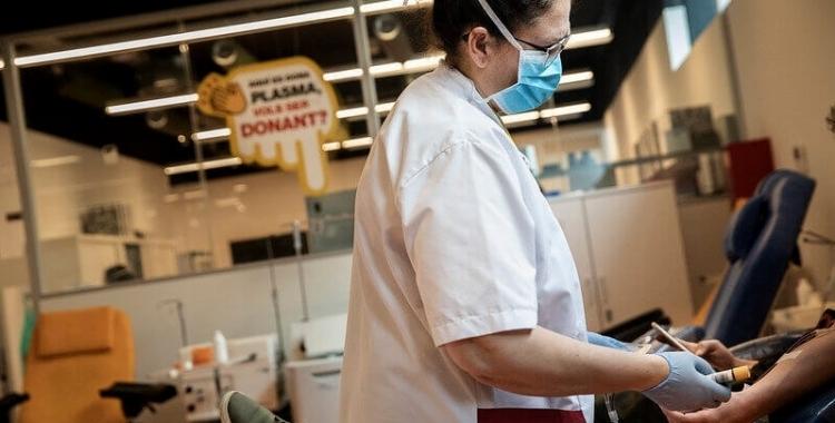 El Banc de Sang i Teixits necessita triplicar les reserves de plasma | Arxiu