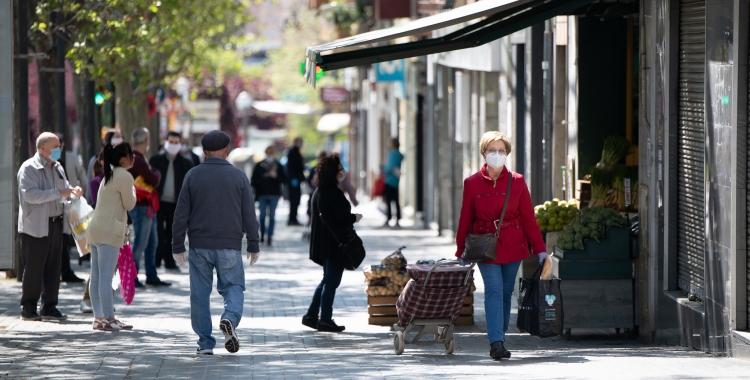 Passavolants comprant a Sabadell   Roger Benet