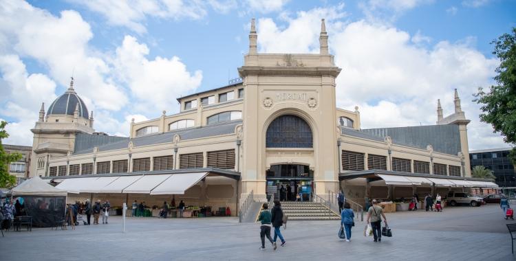Façana del Mercat Central, dissenyat per Josep Renim | Roger Benet