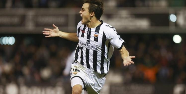 Muguruza celebrant un dels seus sis gols com a orellut | CD Castellón