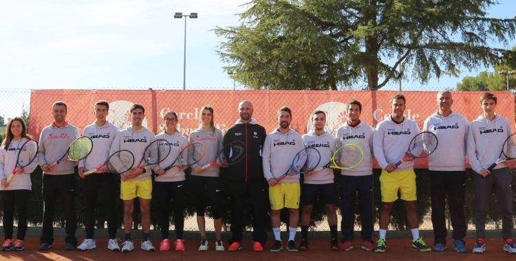 Barrientos (centre) amb el que fins ara era el seu equip tècnic   Cercle Sabadellès