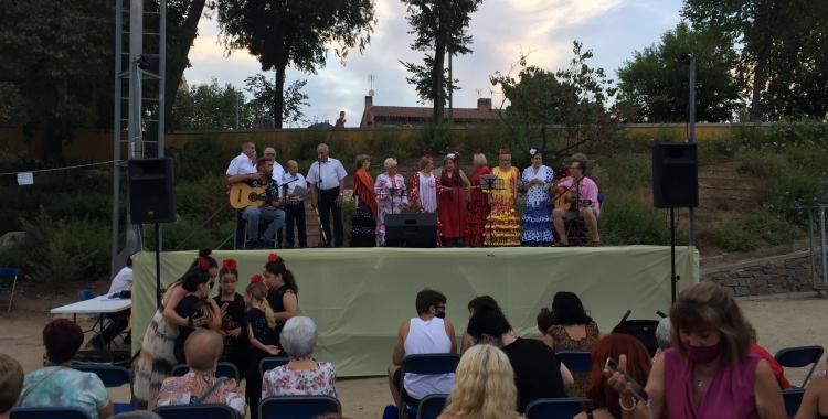 Actuació inicial del Coro Rociero de San Sebastián de los Ballesteros   Ràdio Sabadell