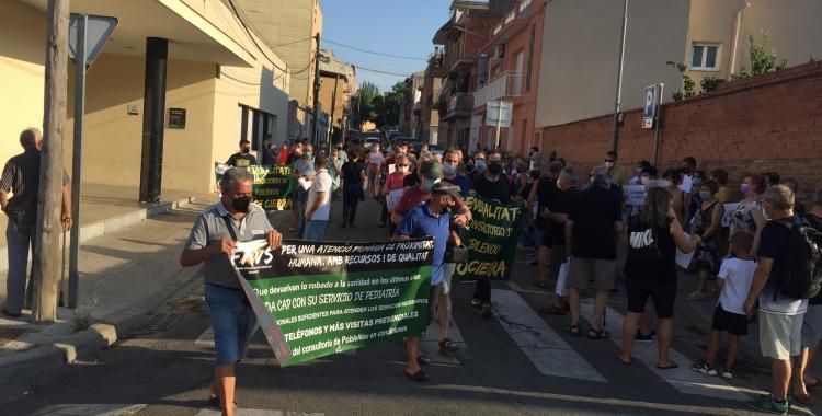 Un centenar de persones reclamen la reobertura del Consultori de Poblenou | Ràdio Sabadell