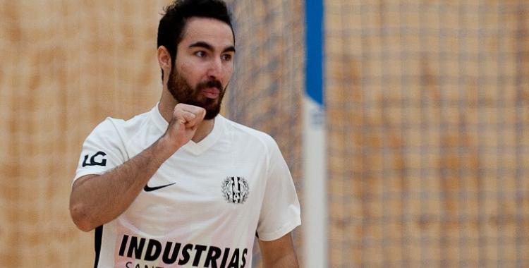 Álex Llamas ha jugat cedit a Industrias aquesta passada temporada | Industrias