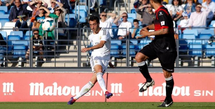 Sergio Aguza desplaça en llarg en un Castilla-Sabadell de 2014   Real Madrid