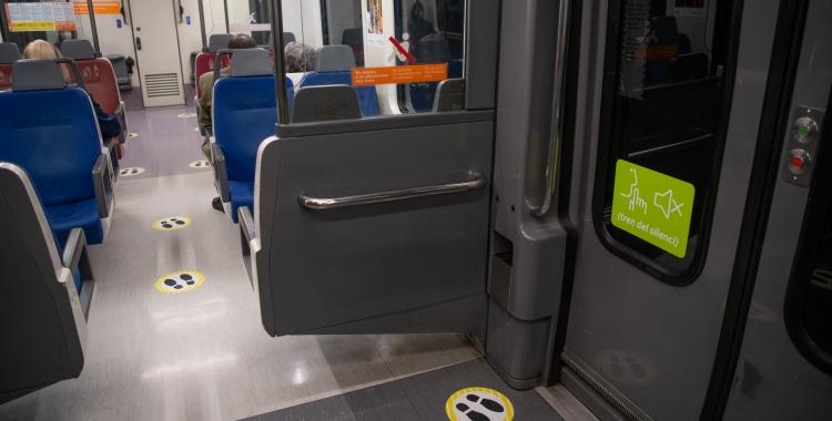 Imatge de l'interior d'un tren de FGC   Roger Benet