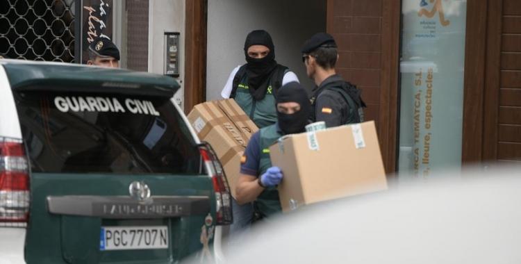 Imatge de l'operació de la Guàrdia Civil a Sabadell | Roger Benet