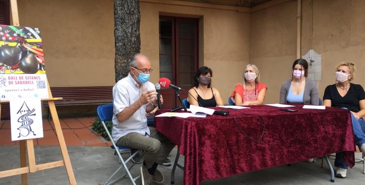 Un moment de la presentació del Ball de Gitanes   Ràdio Sabadell