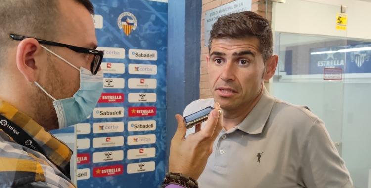 Hidalgo atenent a Ràdio Sabadell en el post partit   Sergi Garcés