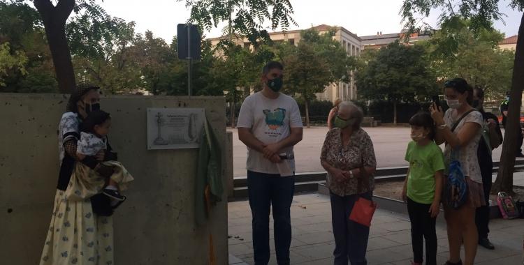 Un moment de l'acte a la plaça de La Creu Alta | Ràdio Sabadell