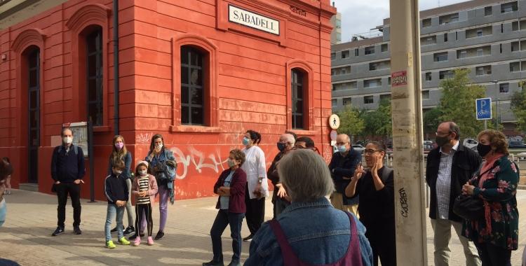 Inici de la visita a l'antiga estació de ferrocarril a la Gran Via | Ràdio Sabadell