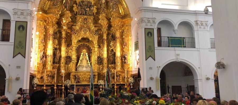L'Hermandad deNuestraSeñoradelRociode Sabadell en la seva missa al Santuari de Huelva   Cedida