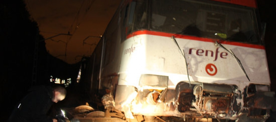 Imatge del tren que ha descarrilat aquest matí a Vacarisses   ACN