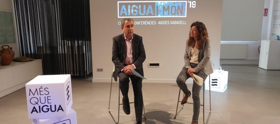 Joan Cristià i Elisabeth Santacruz presentat la tercera edició d'Aigua i Món   Pere Gallifa