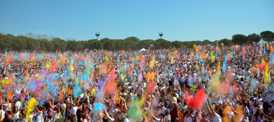 Explosió de color al Holi de Sabadell   David Bisbal
