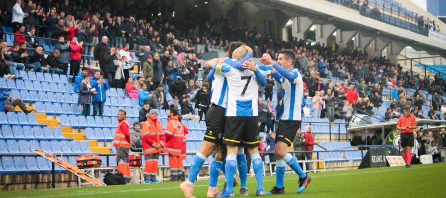 Els futbolistes locals celebren un dels dos gols | @cfhercules