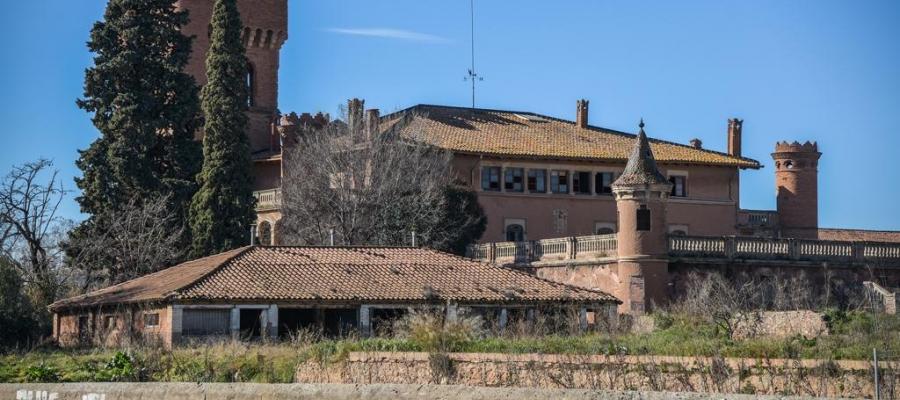 Exterior del Castell de Can Feu/ Arxiu Roger Benet