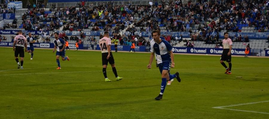L'afició arlequinada celebra el primer gol de Lanza | Críspulo Díaz