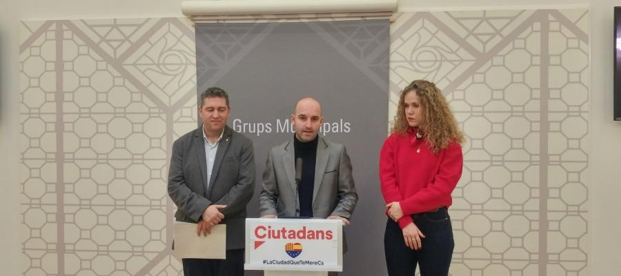 D'esquerra a dreta, José Luís Fernández, Adrián Hernández i Laura Casado   Ràdio Sabadell