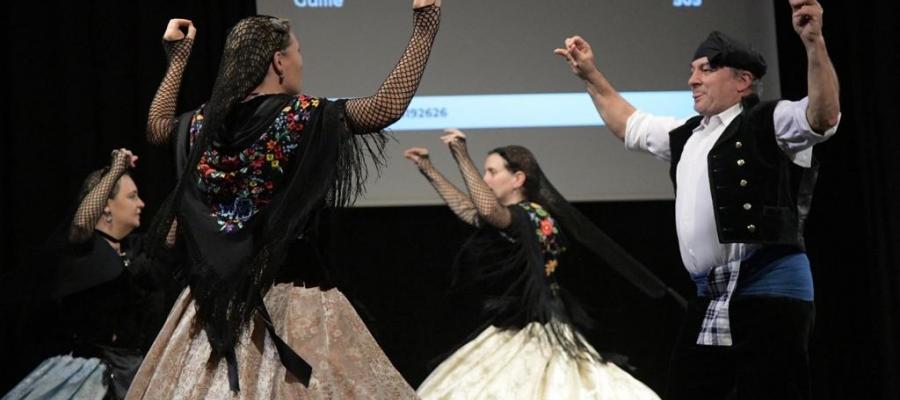 Actuació de la diada de l'Esbart Dansaire | Helena Molist