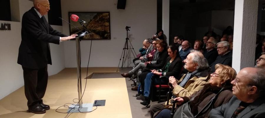 Josep Maria Benaul durant el seu parlament a la nova seu de la Fundació   Helena Molist