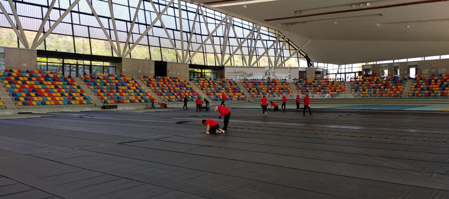 Operaris treballant a la Pista d'Atletisme   Cedida