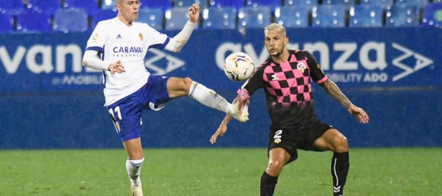 Zanimacchia i Stoichkov lluiten per una pilota | Real Zaragoza